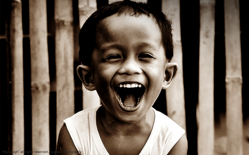Γέλα χωρίς να υπάρχει λόγος