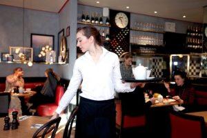 Job Interview: Τι έμαθα εργαζόμενος ως σερβιτόρος (service)
