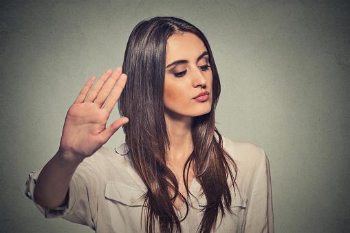 Πώς να διαχειριστείς τους αρνητικούς συναδέλφους που γκρινιάζουν συνέχεια