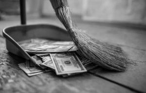 5 συνήθειες που δεν σου επιτρέπουν να κάνεις καλή Διαχείριση των Οικονομικών σου