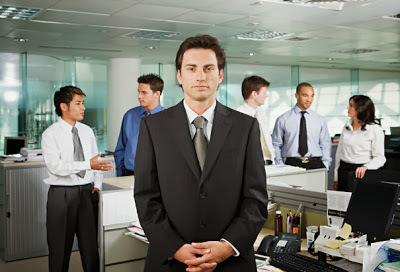 Δυσκολίες στη Νέα Δουλειά: Πότε είναι θέμα Προσαρμογής και πότε Πρόβλημα;