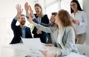 Πώς οργανώνεται μια επιχείρηση καθώς αναπτύσσεται;