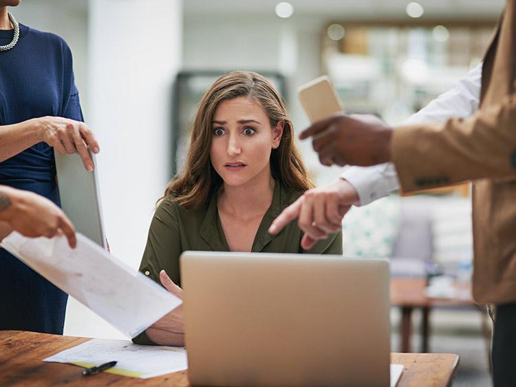 Πώς να αποτρέψεις τους συναδέλφους από το να σε καθυστερούν