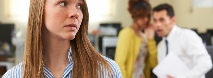 3 τρόποι με τους οποίους Προσβάλλεις κατά λάθος τους συναδέλφους σου
