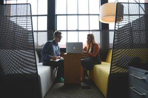 5 προϋποθέσεις για να είσαι χαρούμενος στη δουλειά σου